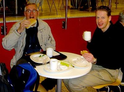 Vårt flyg gick redan vid sextiden på morgonen så det blev frukost på Skavstas flygplats