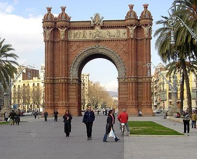 En triumfbåge någonstans i Barcelona
