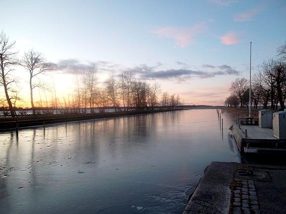Solnedgång vid hamnen