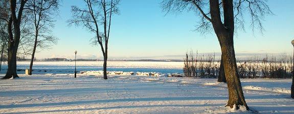 Kallt och soligt vinterväder