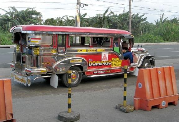 Röd Jeepney