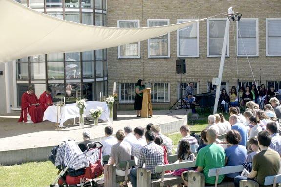 Katolsk utomhusmässa i Linköping
